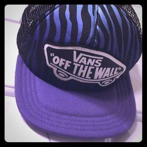 Vans Off The Wall trucker hat purple & black!